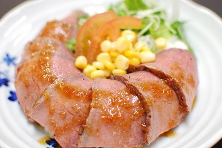 ローストビーフ丼の写真